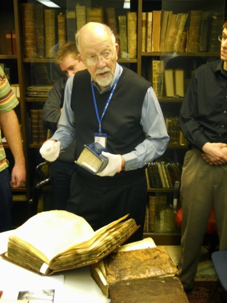 Dr.R.Klein explains the rare Greek NT mss., 1 from the 9th century, 1 from the 12th.