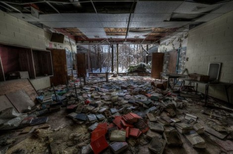 abandoned-schools & books-detroit