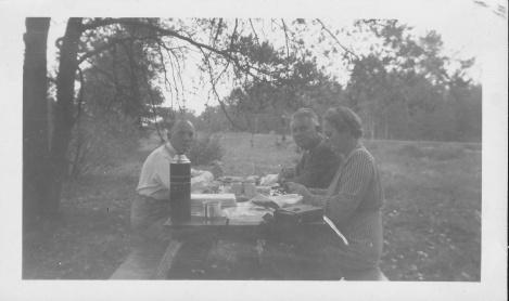 kschilder-pics-hh-wife-picnic