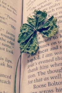 4-leaf-clover-in-book