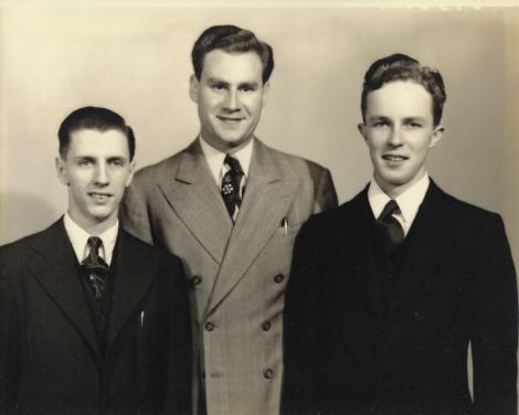 Sem-grads-1947-2.png
